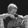 Comédienne  Après des études d'arts plastiques, Catherine suit une formation de comédienne à l'École Jean-Louis Martin-Barbaz, puis à l'École de la Belle de Mai avec Jean-Christian Grinevald et Christian Schiaretti. Elle travaille ensuite dans différentes compagnies de théâtre de rues et joue en Allemagne, Autriche, Norvège et Australie avec l'Américan Drama Group dans des mises en scène de Barry Goldman. En Suisse, à Fribourg et Lausanne, elle rejoint la compagnie du Théâtre de l'Ecrou (mise en scène de Matthew Jocelyn) et la Compagnie Nonante-Trois (mise en scène de Benjamin Knobil). En France, à l'Atelier du Rhin (dans des mises en scène de Matthew Jocelyn), puis travaille avec Patrick Haggiag (CDN de Gennevilliers). En Champagne-Ardenne, elle collabore avec les compagnies La Strada, Ici et Maintenant, Si et Seulement Si, Théâtr'âme, FMR et en Lorraine avec la compagnie Les patries imaginaires. Elle est à l'origine et joue dans le western théâtral pour deux comédiennes et une bruiteuse : Wild West Women. Depuis, Catherine et Gingolph se sont croisés sur plusieurs spectacles dont ils ont partagé la distribution. Ces multiples rencontres les ont menés tout naturellement à s'impliquer ensemble dans la réalisation de Alors on a déménagé.  Photo_Philippe Rappeneau